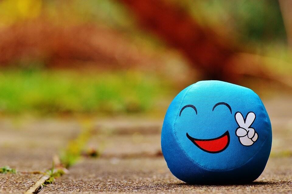 усмивката, топче