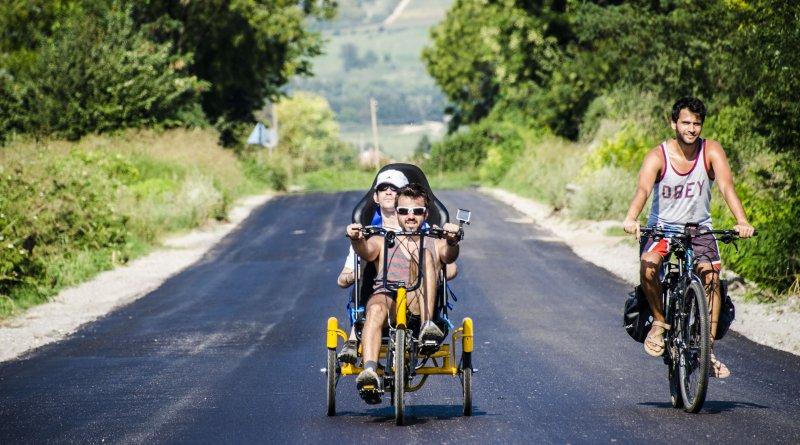 300 км с колело Как силата на духа надви тялото БНТ Новини