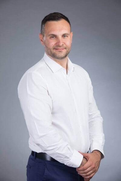 Стресът на работното място Как да се справим Милен Великов