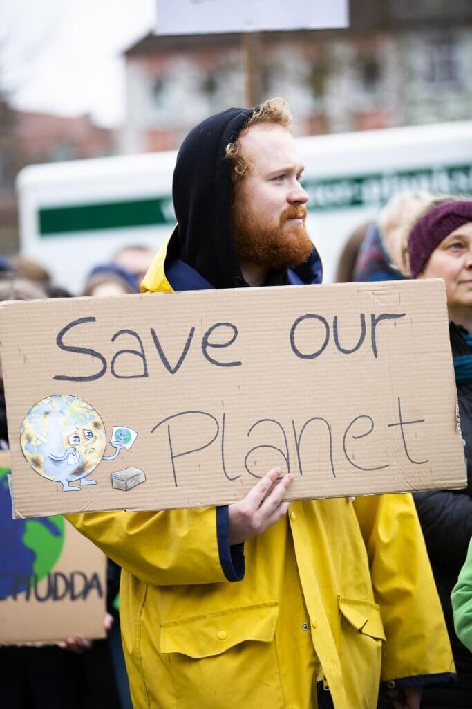 протест за екосъобразен бизнес и дом