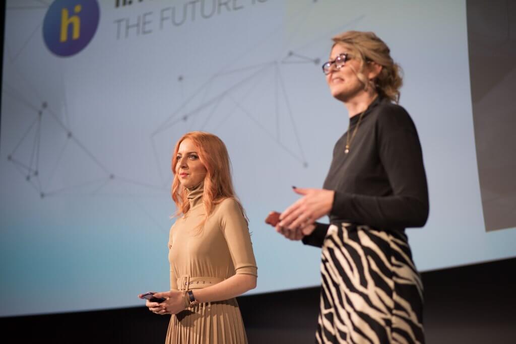 Карина Карагаева и Нина Владимирова на h. i. summit 2020
