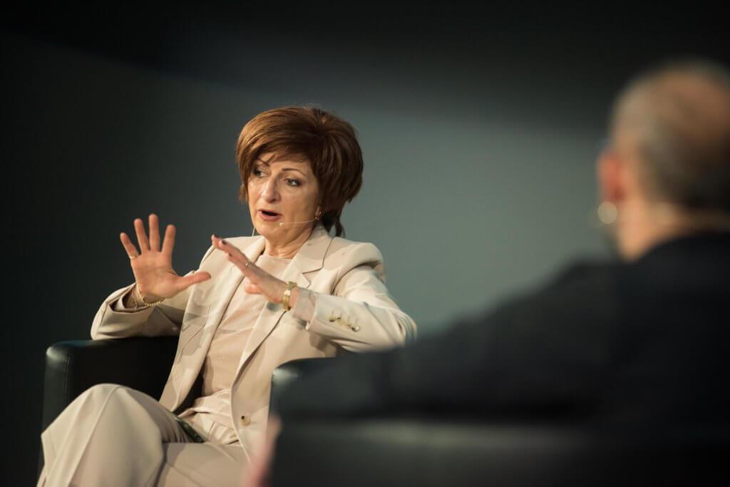 Саша Безуханова на h. i. summit 2020