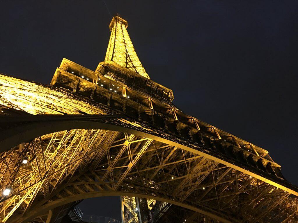 Айфеловата кула в Париж вторият най-скъп град в света