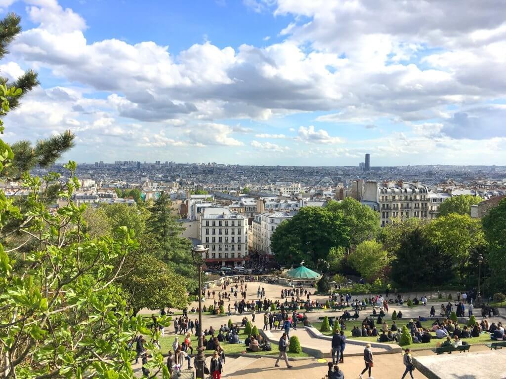 Изглед от базиликата Сакре-Кьор в Париж вторият най-скъп град в света